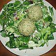 Pâtés russes et salade d'épinards