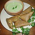 Samosas et sauce au concombre - Repas indien (entrée)