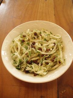 Spaghettis de concombre aux tomates séchées -P9090274