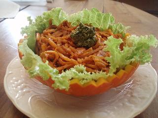 Spaghetti de courge, sauce tomate et pesto - P9080260