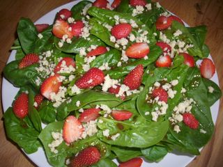 Salade épinards fraise feta d'ammandes